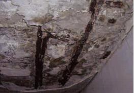 コンクリートの露筋、欠損
